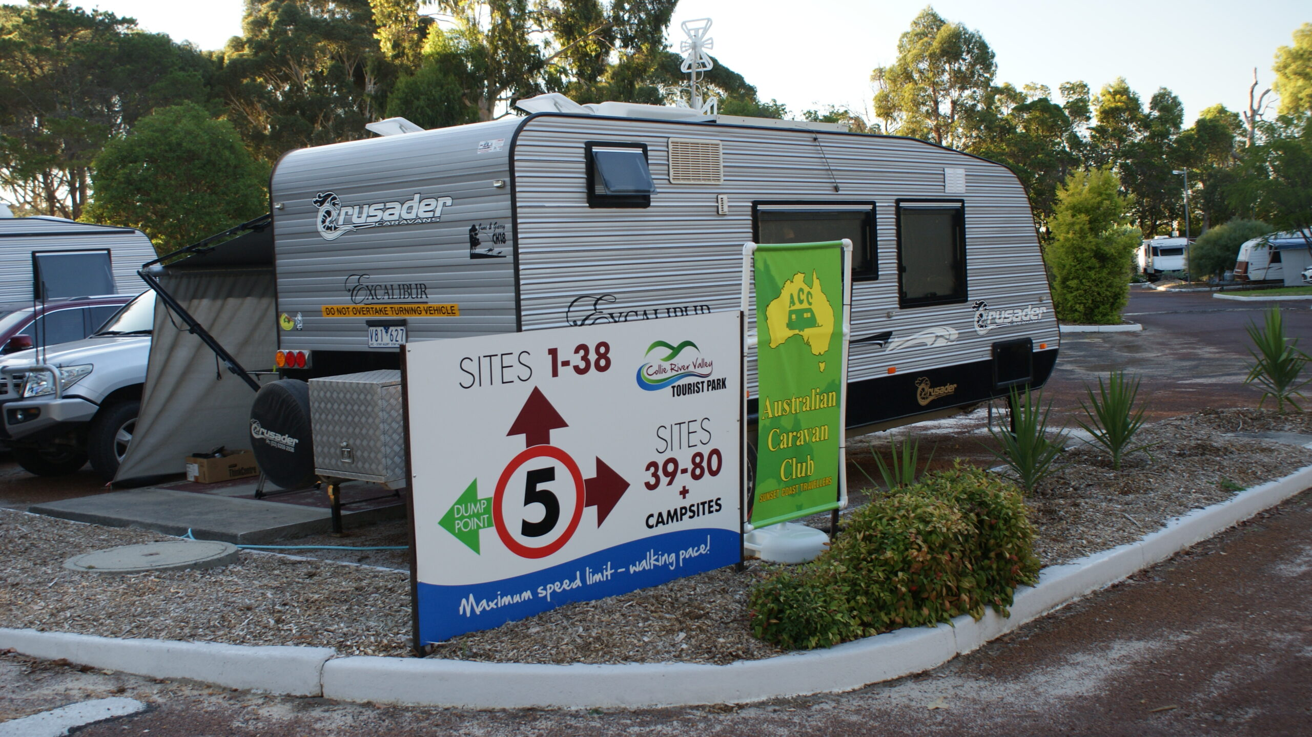 Powered and unpowered caravan sites